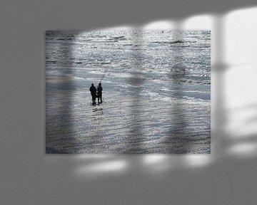 Vissers en de zee is zilver in tegenlicht - Angeln meer ist Silber bei Gegenlicht - Fishing and the  van Ineke Duijzer