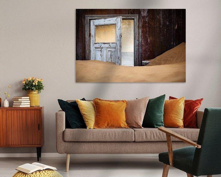 Beispiel: Detail van een huis in spookstad Kolmanskop, Namibië von Martijn Smeets