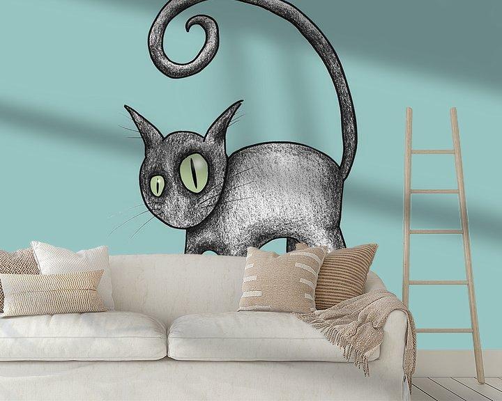 Sfeerimpressie behang: Zwarte komische kat van Bianca Wisseloo