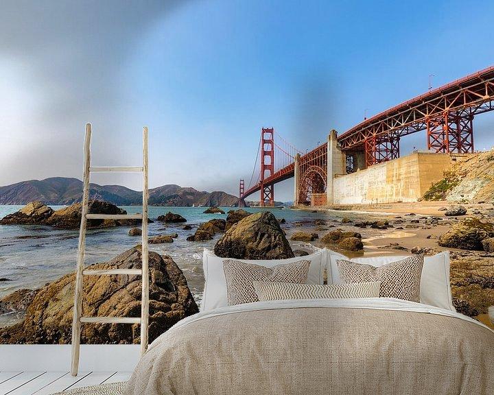 Sfeerimpressie behang: Gold Gate Bridge Rocks 3 - San Francisco van Remco Bosshard