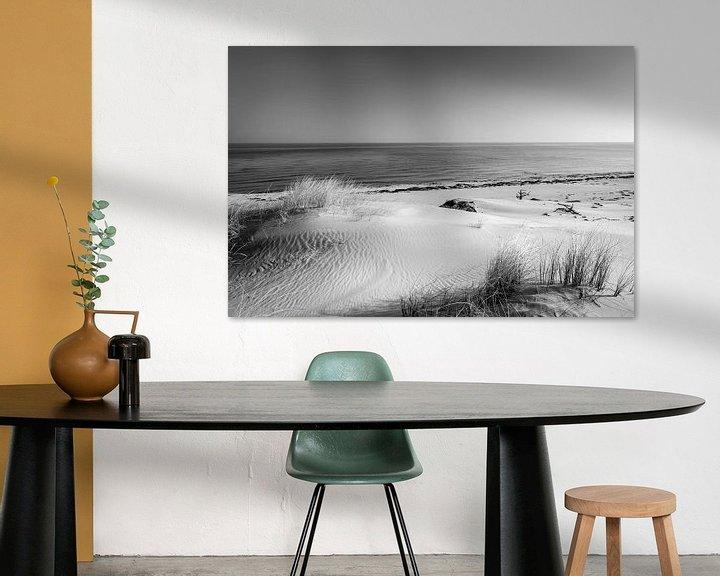 Beispiel: Dünen und das Meer in schwarz weiß von Sascha Kilmer