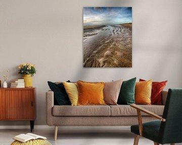 Man on the Beach van Alex Hiemstra