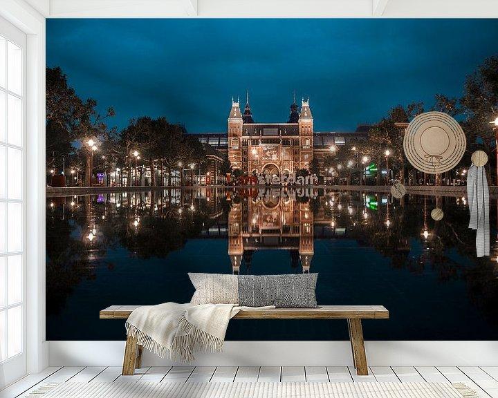Sfeerimpressie behang: Rijksmuseum Amsterdam by Night van willemien kamps