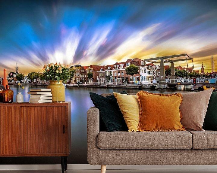 Sfeerimpressie behang: De oude haven van Alkmaar met een mooie zonsondergang van Fotografiecor .nl