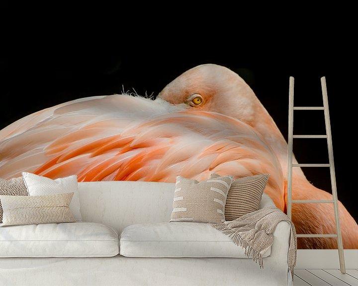 Sfeerimpressie behang: Flamingo van Mark Bolijn