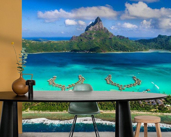 Sfeerimpressie behang: Bora Bora vanuit de lucht van Ralf van de Veerdonk