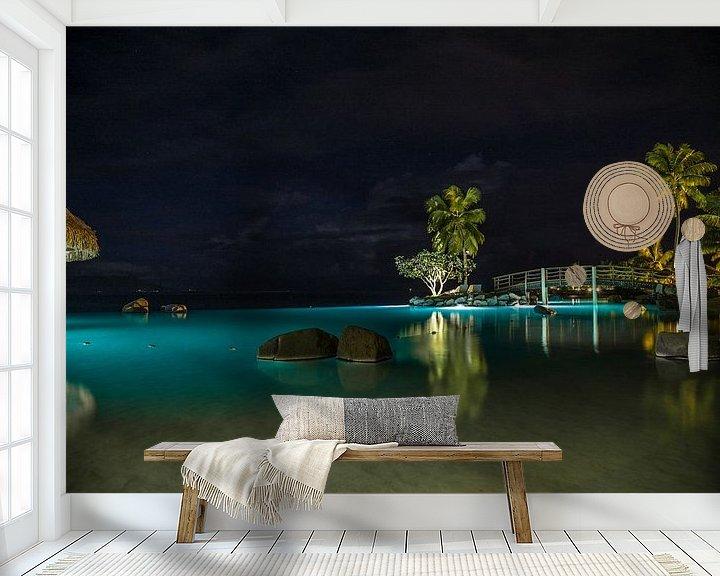 Sfeerimpressie behang: Tahiti by Night van Ralf van de Veerdonk
