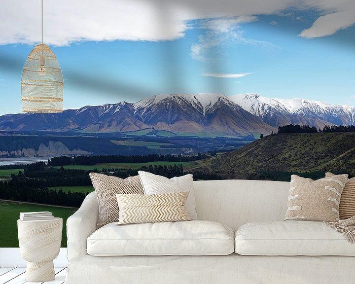Sfeerimpressie behang: Landschap van Rakaia gorge op het zuidereiland van Nieuw Zeeland. van Aagje de Jong