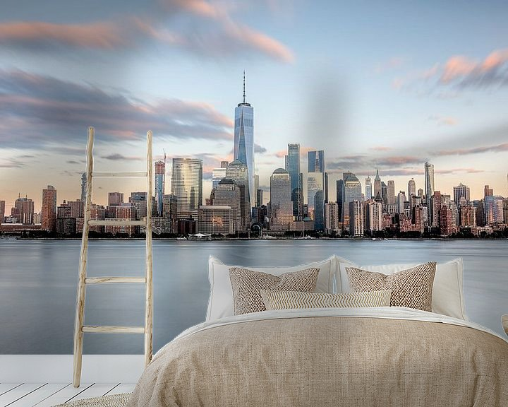 Sfeerimpressie behang: New york city skyline tijdens zonsondergang van Marieke Feenstra