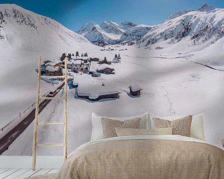 Sfeerimpressie behang: Het Sertigtal, Sertig Sand, Davos, Graubünden, Zwitserland van Rene van der Meer