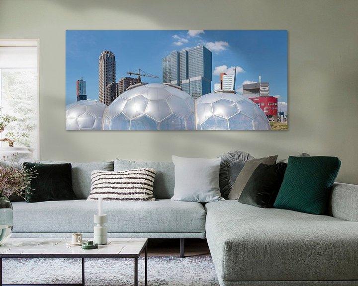 Sfeerimpressie: Drijvend paviljoen bij de wolkenkrabbers Kop van Zuid, Rotterdam, , Zuid-Holland van Rene van der Meer