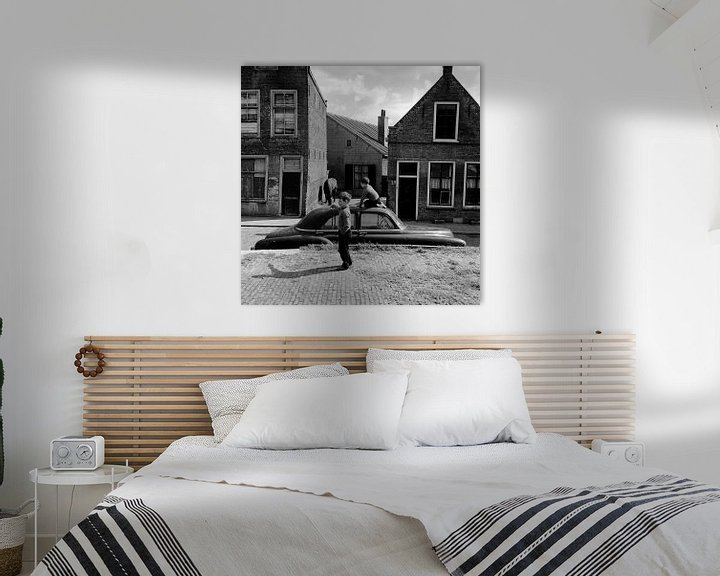 Sfeerimpressie: Spelende kinderen in Dordrecht (Nieuwkerksplein) van Dordrecht van Vroeger