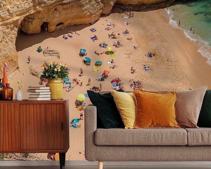 Sfeerimpressie behang: Praia do Carvalho, Benagil, Algarve, Portugal van Rene van der Meer