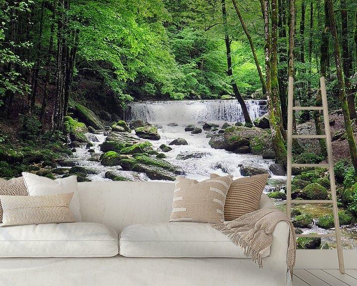 Sfeerimpressie behang: Watervallen van Herisson in de Jura in Frankrijk van Gabi Gaasenbeek