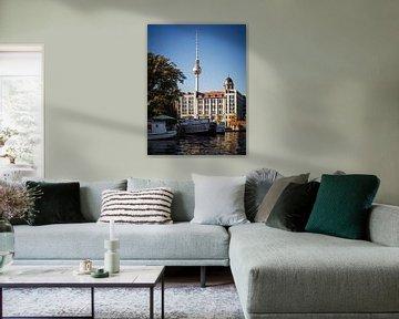 Berlin – Fernsehturm / Historischer Hafen von Alexander Voss