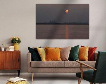 Zonsondergang in Oudega van Pieter Heymeijer