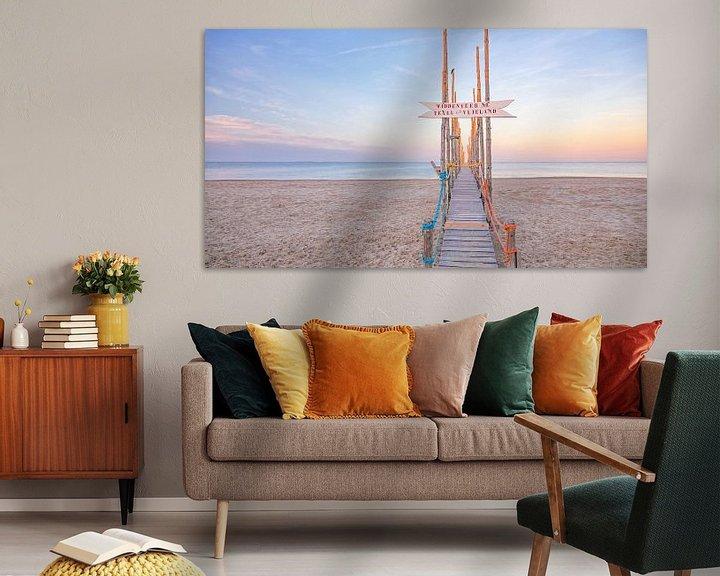 Sfeerimpressie: Houten steiger op Texel / Wooden jetty on Texel. van Justin Sinner Pictures ( Fotograaf op Texel)