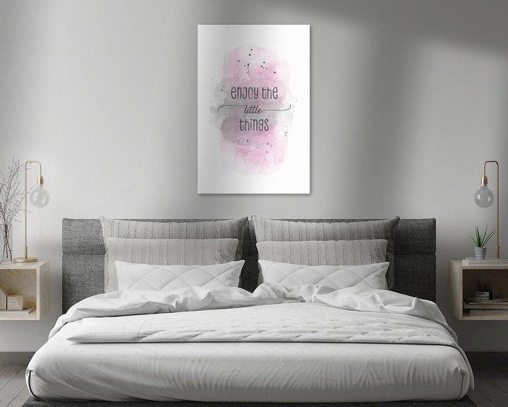 Sfeerimpressie: Enjoy the little things    aquarel roze van Melanie Viola