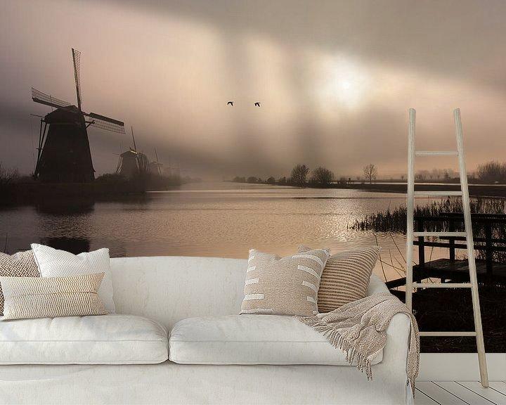 Sfeerimpressie behang: Mistig Kinderdijk van Teuni's Dreams of Reality