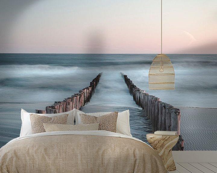 Sfeerimpressie behang: Kalme Zeeuwse zonsondergang van Peter Nolten