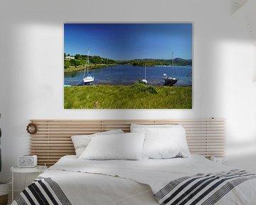 Zeilboten in een baai in Schotland van Babetts Bildergalerie