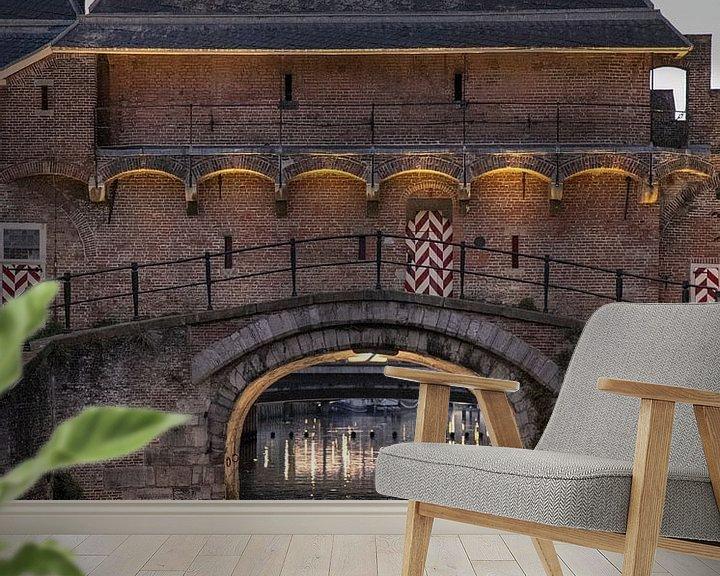 Sfeerimpressie behang: De koppelpoort is een stadspoort in Amersfoort van Ton Tolboom