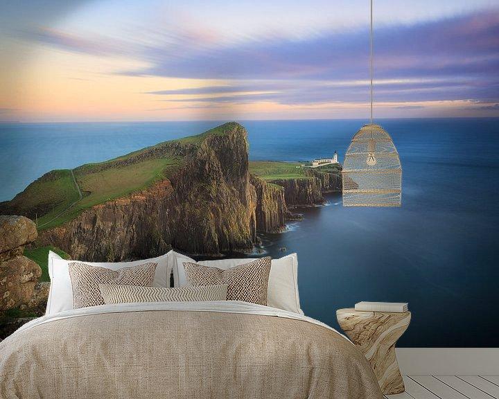 Sfeerimpressie behang: Neist Point Vuurtoren op Skye tijdens zonsondergang van iPics Photography