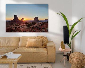 Zonsopgang boven de Monument Valley van Jürgen Ritterbach