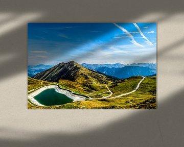 De Oostenrijkse alpen met een bergmeer von Ineke Huizing