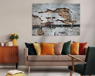 Remplissage par inondation : le vieux plâtre tombe du mur. sur Nic Limper