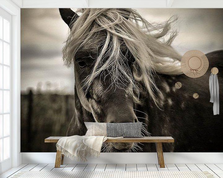 Sfeerimpressie behang: The blonde van Michel Derksen