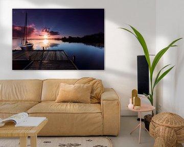 Zeilboot in Leekstermeer bij dageraad