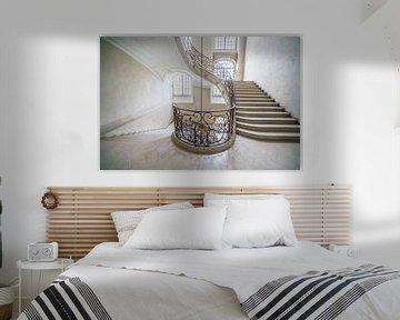 Trappenhuis in wit van BernArt Photography