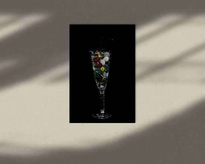 Sfeerimpressie: Knikker in glas _5 van Henry Nijen Twilhaar