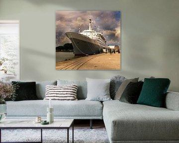 SS Rotterdam in de Rotterdamse haven