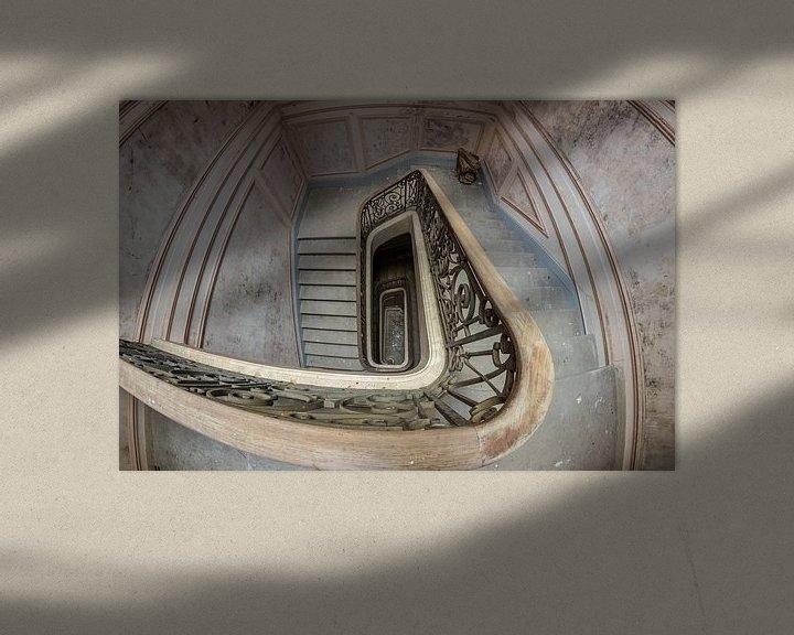 Beispiel: Treppenhaus in einem verlassenen Chateau von Patrick Löbler