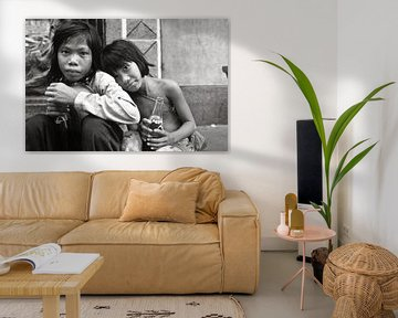 Schwestern aus Kambodscha in Saigon von Silva Wischeropp