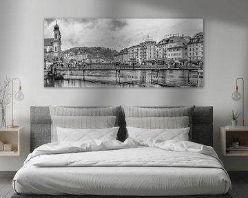 Rathaussteg Luzern - zwart-wit versie van Tony Buijse