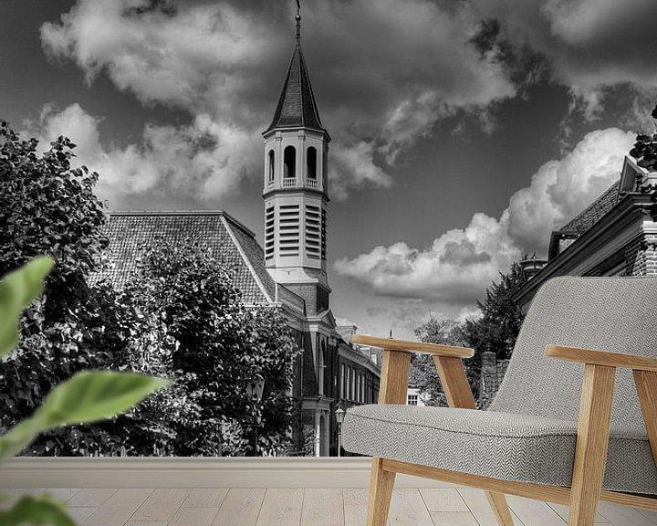 Sfeerimpressie behang: Elleboogkerk en Langegracht historisch Amersfoort in zwart-wit van Watze D. de Haan