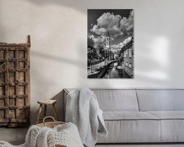 Sfeerimpressie: Elleboogkerk en Langegracht historisch Amersfoort in zwart-wit van Watze D. de Haan