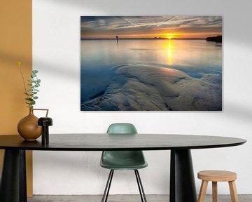 Prachtige intense morgen met zonsopgang aan het Veluwe strand van Fotografiecor .nl