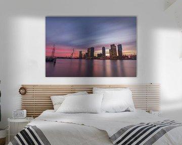 De horizon van Rotterdam bij zonsopgang van Gea Gaetani d'Aragona