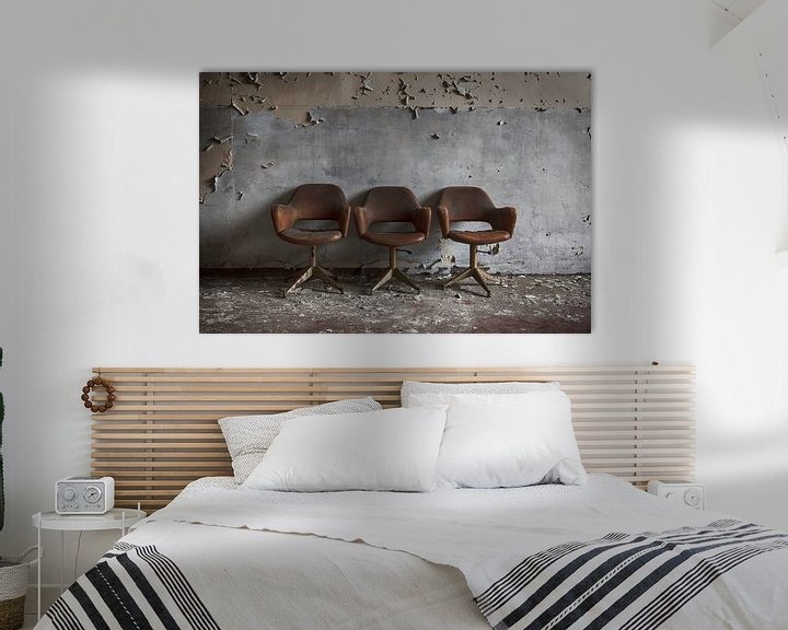 Beispiel: Drie stoelen voor de muur von Manja van der Heijden