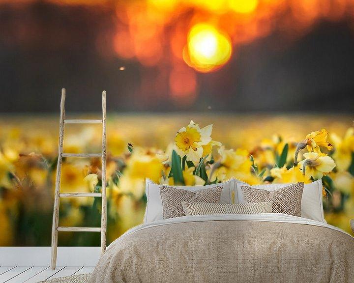 Sfeerimpressie behang: Narcissen avond van Sander Meertins