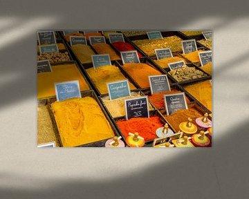 Specerijen op een markt in de Provence sur 7Horses Photography