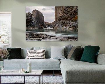 De Basalt kolommen canyon studlagil van Gerry van Roosmalen
