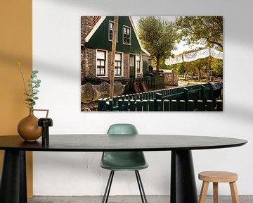 Typische Nederlandse vissers huisje uit vollendam, urk of marken van Fotografiecor .nl