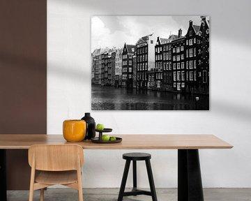 Amsterdamer Lagerhäuser am Damrak von Thomas Wijngaard