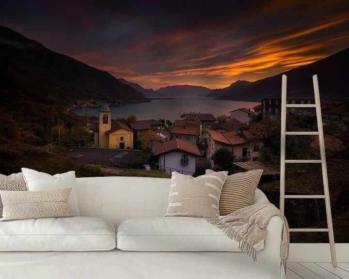 Sfeerimpressie behang: Olgiasca village sunset van Wojciech Kruczynski