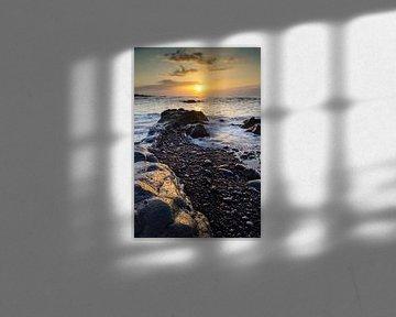 Zonsondergang bij Playa Jardin van Michael Valjak